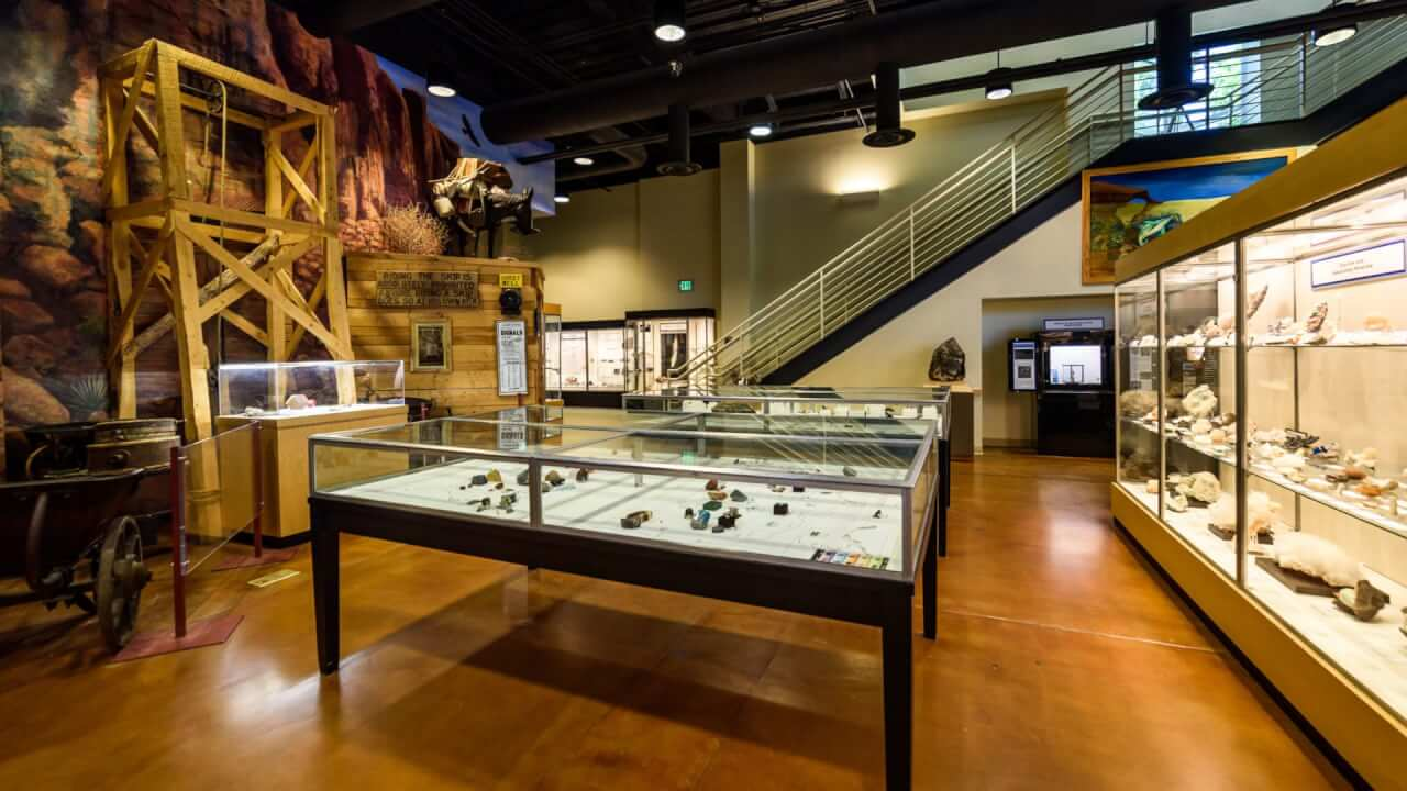Mines Museum of Earth Science & Tour